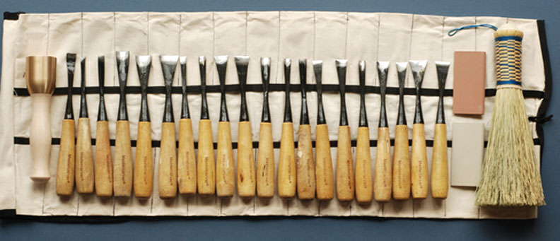 WOOD CARVING TOOL SETS AND SUPPLIES